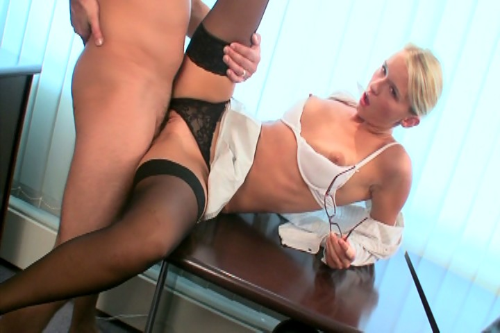 Secretary in office gets fuck real